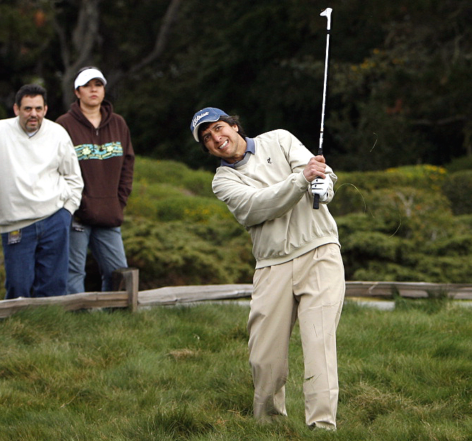 Ray Romano looks on anxiously after his shot.