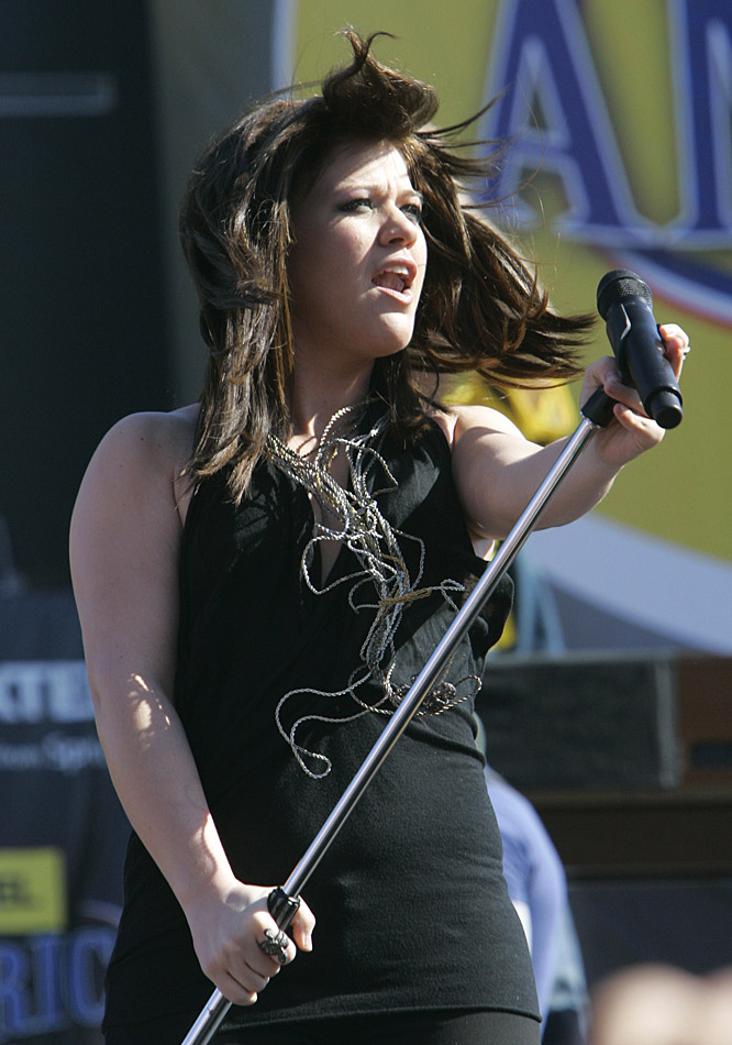 "Former American Idol winner Kelly Clarkson performed NASCAR's ""Tribute to America"" before the Daytona 500."