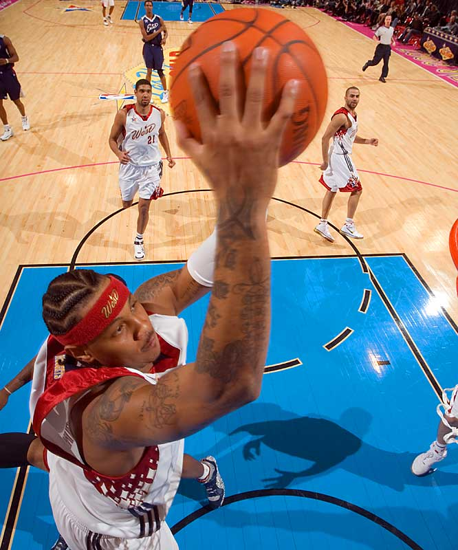 Carmelo Anthony went 10-for-15 from the field, scoring 20 points for the West.