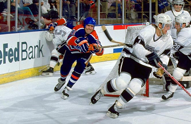 In his 12th, and final, season in Edmonton, Messier produced only 12 goals and 64 points -- his lowest output since his rookie season -- but the old magic was there in the playoffs. The Oilers knocked off Calgary in a tough 7-game first round series and battled their way all the way to the conference final before falling to the North Stars.