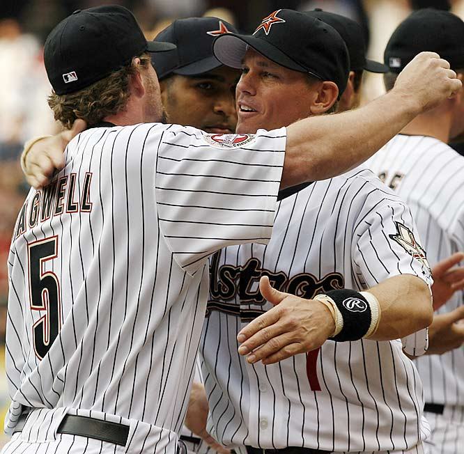 "A bum shoulder made Bagwell into a <i>King Of Pain</i> on the field before he finally retired in 2006. Perhaps he should ""unretire"" for one day in 2007 so that he and Biggio can enter the Hall of Fame in the same year."
