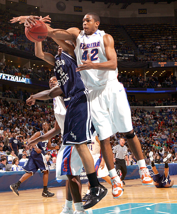 Al Horford had 15 points and 16 rebounds in the Gators' win, including nine points and 12 boards in the first half.
