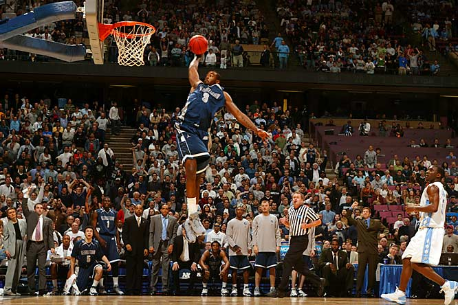 DaJuan Summers slams home two points in the regional final against No. 1 seed North Carolina.