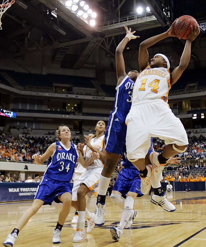 Alexis Hornbuckle (14) and the Lady Vols had an easy opener against Drake.