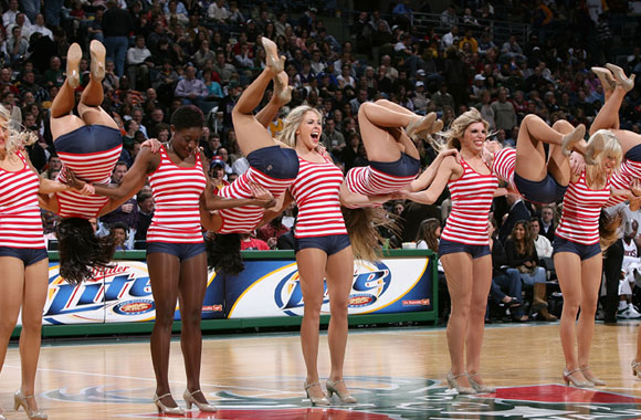 Synchronization seems to be a problem for the Milwaukee Bucks' dance team.