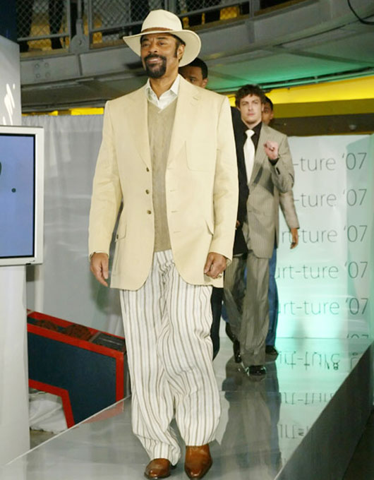 "NBA great Walt ""Clyde"" Frazier this past Wednesday joined some Knicks at a fashion show and taught the youngsters a thing or two about how to work the runway."