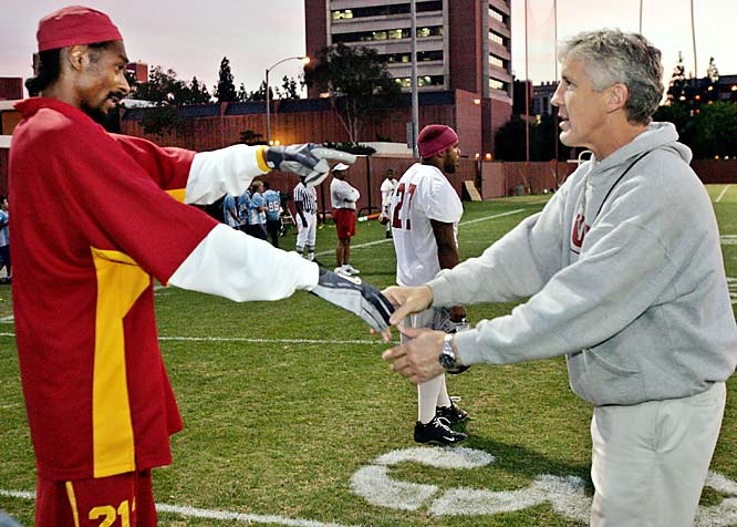 Not only is Snoop Dogg a die-hard USC fan, but the rapper was a personal guest of coach Pete Carroll during a November 2004 Trojans practice.