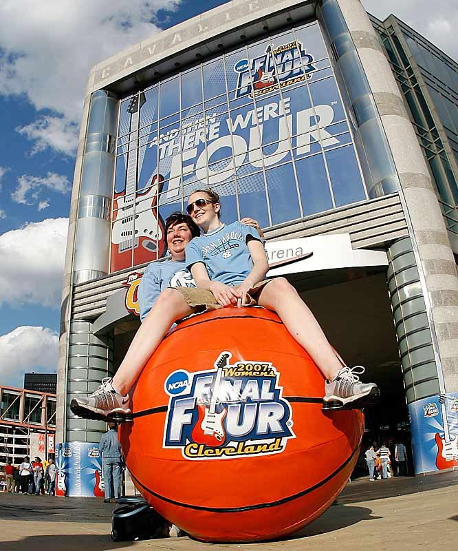 North Carolina fans pose outside the Quicken Loans Arena in Cleveland prior to the Tar Heels' semifinal game against the Lady Vols.