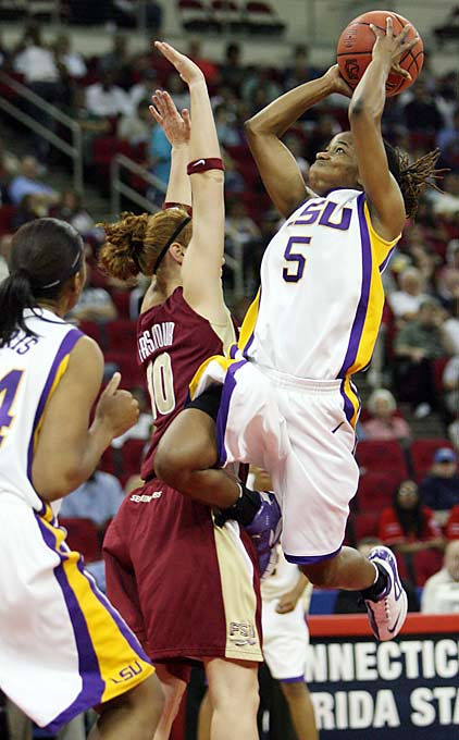 LSU guard Erica White shoots over Florida State in the semifinals of the NCAA Fresno Regional.