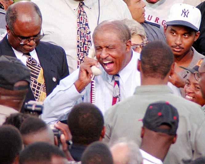 Robinson received a call from President Bill Clinton after becoming the first college football coach to win 400 games.