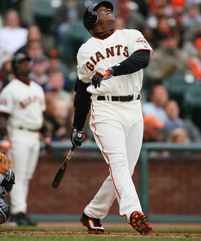Barry Bonds hit solo homers in each weekend game with the Diamondbacks.  The Giants won 1-0 Saturday and 2-1 Sunday.