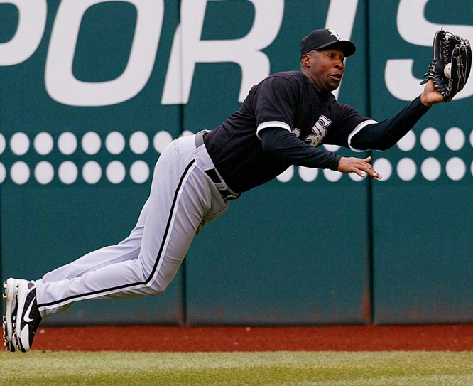 White Sox right fielder Jermaine Dye makes robs Jhonny Peralta of a hit in the sixth inning on Saturday. Cleveland won 4-0.