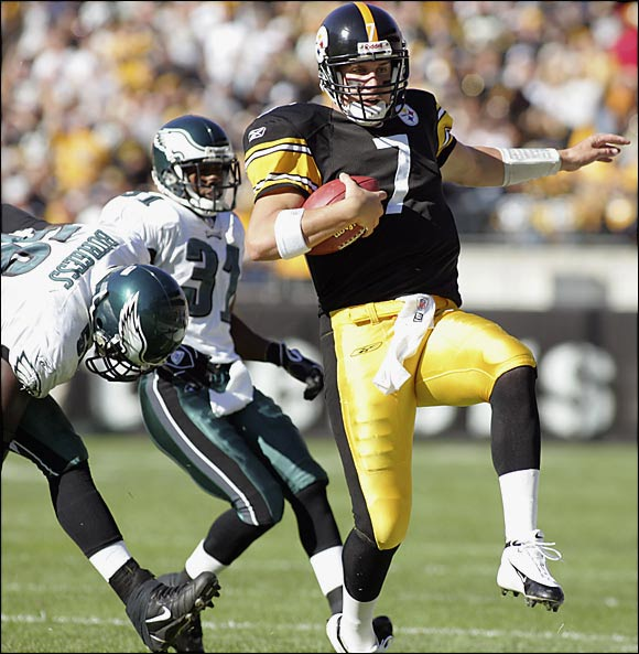 Rookie quarterbacks usually struggle, but Big Ben was magical from the start. He went 13-0 as a starter, by far the best start for a first-year signal-caller. Roethlisberger threw 17 touchdowns, completed 62.7 percent of his passes and had a 98.6 passer rating.