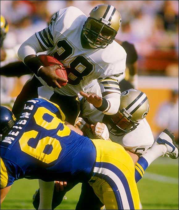 Rogers entered the NFL after winning the Heisman Trophy at South Carolina and became an unstoppable force with the Saints. The burly Rogers led the NFL with 1,674 rushing yards and ran for 13 touchdowns. Rogers' career was hurt by off-field problems, but as a rookie he was one of the best.