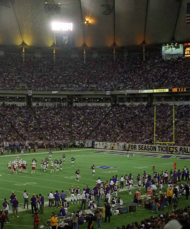 Almost all indoor stadiums get loud, but no team took more advantage of it than the Vikings under Dennis Green in the 1990s. Minnesota, a perennial playoff team at the time, allegedly piped in noise to make calling plays very difficult for opponents.