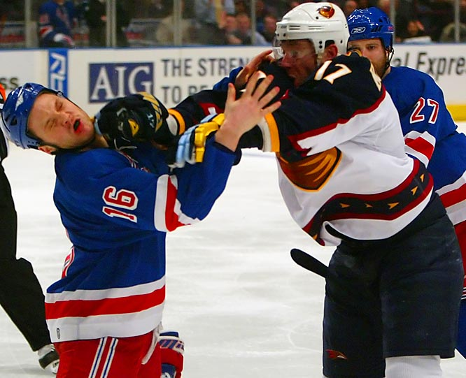 Frustrated with Rangers agaitator Sean Avery throughout the series, Thrashers star Ilya Kovalchuk fought Avery early in the third period Tuesday night, bloodying his nose.