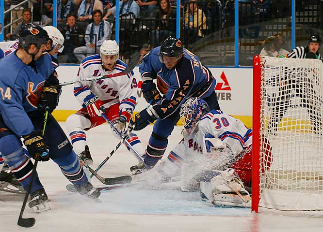 Thrashers leading-scorer Marian Hossa couldn't get the puck past Rangers' goalie Henrik Lundqvist.