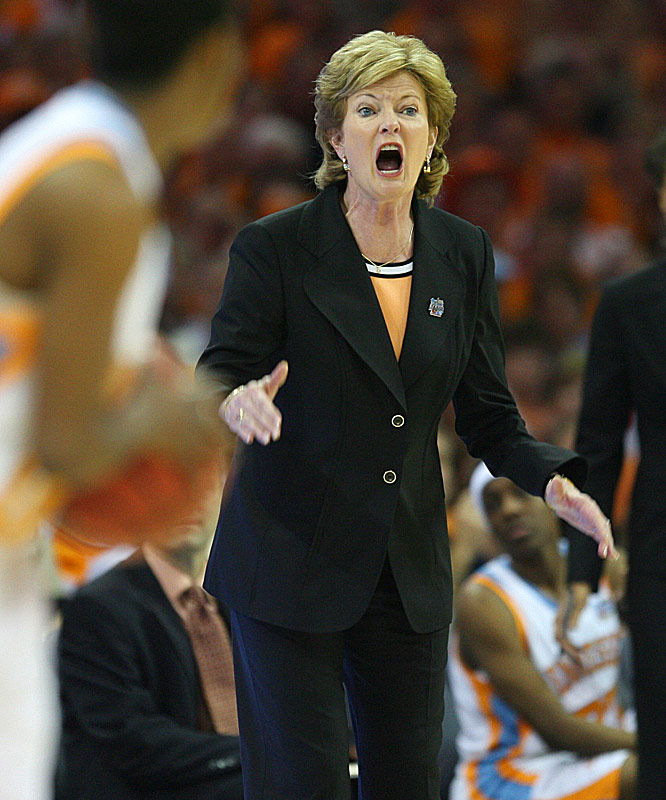 Tennessee coach Pat Summitt captured her 947th career win and seventh national championship.