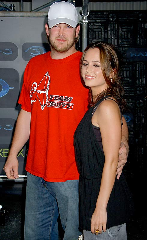 Eliza Dushku joined Brad Penny at the Xbox 360 Halo 3 Sneak Preview. Is it just us, or does Penny look a bit overprotective?