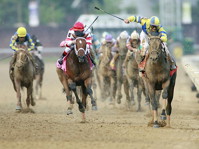 Post-time favorite Street Sense (right) caught Hard Spun in mid-stretch on his way to winning the Run for the Roses.