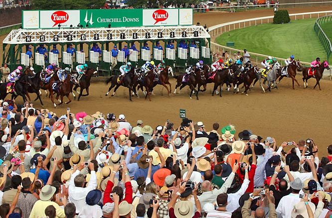 With more than 100,000 spectators, Street Sense became the first winner of the Breeders' Cup Juvenile to win the Kentucky Derby.