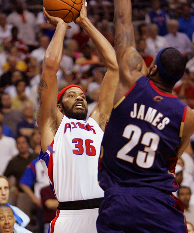 The Pistons' Rasheed Wallace scored 10 of his 16 points in the final quarter and made a go-ahead, fadeaway jumper over LeBron James on the baseline with 24 seconds left, lifting Detroit to their second victory over the Cleveland Cavaliers.