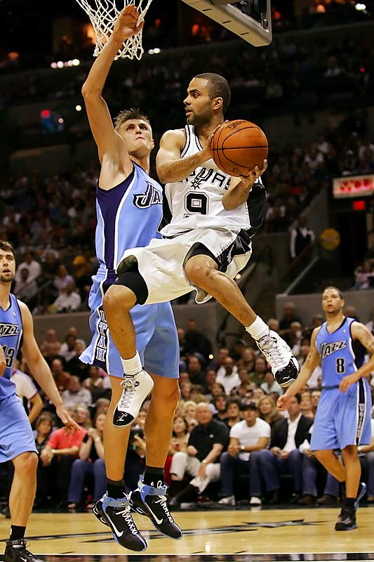 Tony Parker posted 17 points and 14 assists, using his speed to the basket to draw in the Jazz defense then repeatedly finding shooters to help the Spurs beat Utah again in San Antonio.