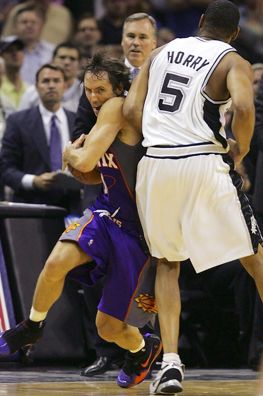 A frustrated Robert Horry committed a flagrant foul on Steve Nash and was ejected in the final seconds of the Spurs loss to the Suns on Monday.