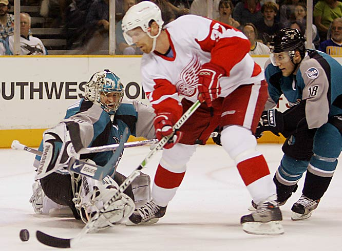 Mikael Samuelsson scored two first-period goals as the Red Wings won the best-of-seven series 4-2.  Detroit will play Anaheim to decide who will represent the West in the Stanley Cup Finals.
