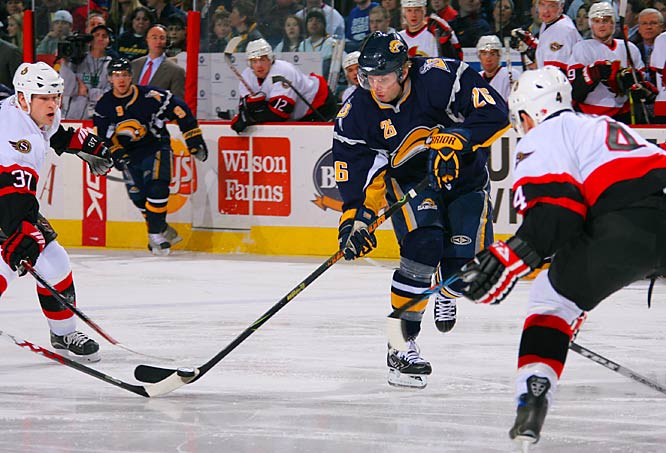 Thomas Vanek gave the Sabres their first victory in five games against Ottawa, scoring twice, including the game-winner with four minutes left.