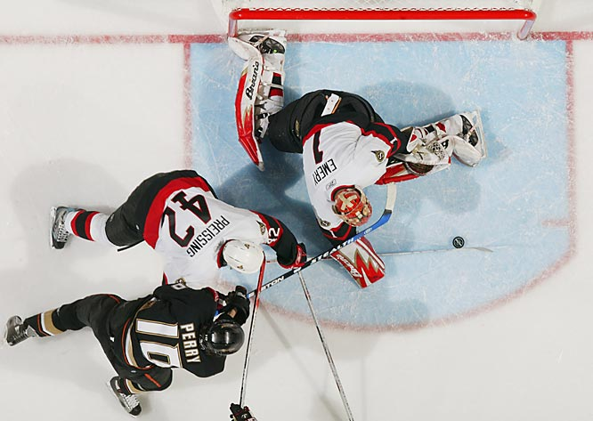 Ray Emery made 30 saves for the Senators, who had lost only once in each of their first three playoff series.