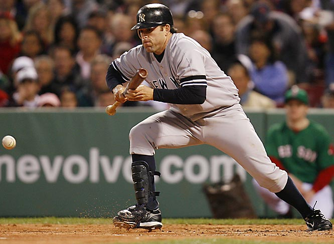 Pronunciation: mint-KAY-vich<br><br>Used in a sentence: The light-hitting Mientkiewicz will earn $1.5 million from the Yankees this season.