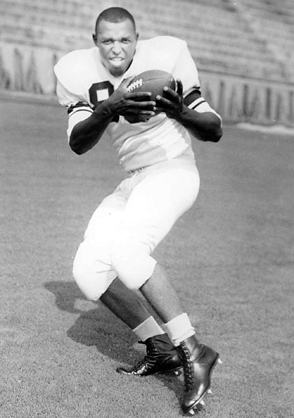 Perhaps the greatest tight end in NFL history, Mackey wasn't a slouch in college either. He was Syracuse's starting tight end from 1960-62 and was selected to SU's All-Century team in 1999.