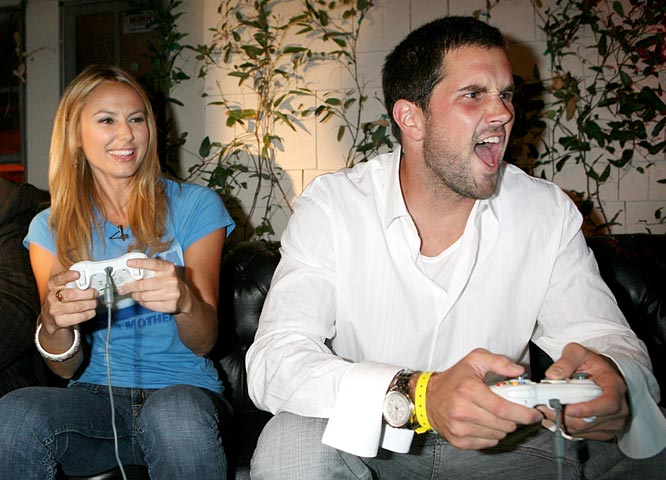 Cardinals QB Matt Leinart continues to get around. On Thursday, he played some Madden '08 with Stacey Keibler at the VIP premiere party for the game.