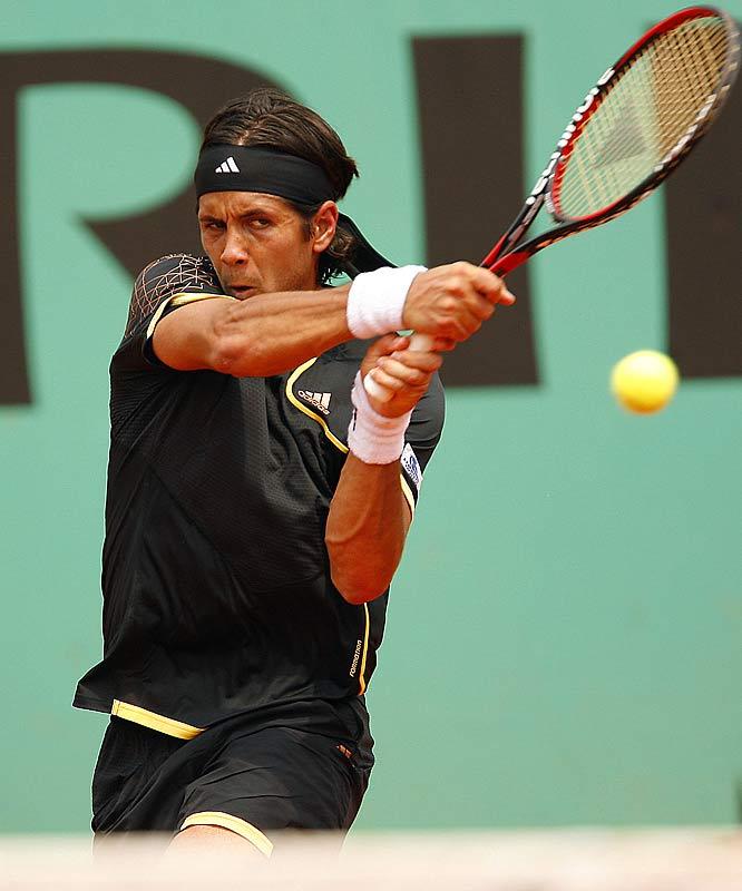Sixth-seeded Novak Djokovic of Serbia downed unseeded Fernando Verdasco of Spain in straight sets on Monday.