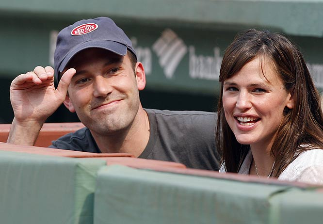 Ben Affleck managed to put on a smile at last Saturday's Yankees-Red Sox game even though Matt Damon was nowhere to be found.