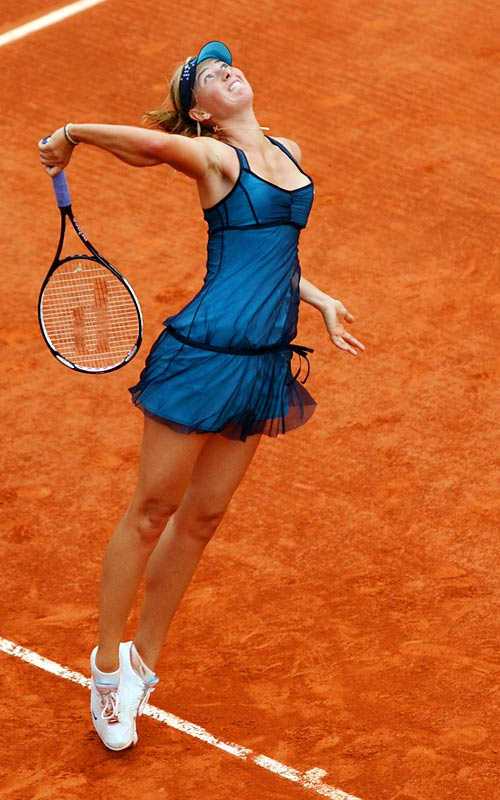 Maria Sharapova advanced to the semis despite playing on her worst surface, nursing a sore shoulder and having lost her previous two quarterfinal matches at Roland Garros.