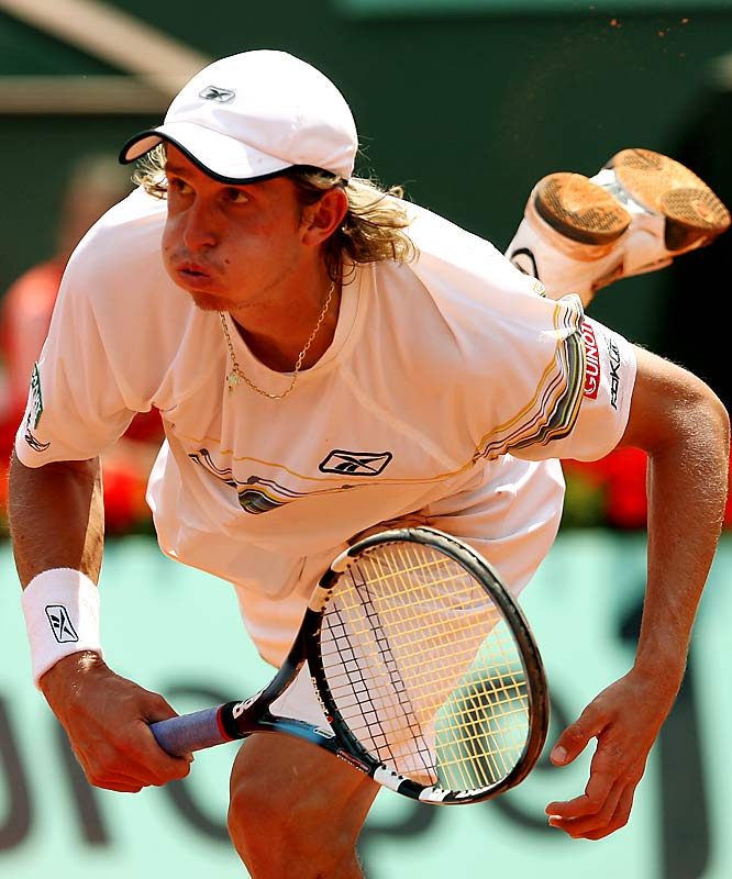 After a strong run through the first three rounds of the French Open, 125th-ranked Igor Andreev bowed out in the quarterfinals, losing in straight sets, 6-3, 6-3, 6-3 to Novak Djokovic.