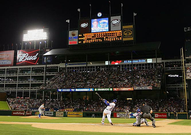 Sosa became only the fifth player in major-league history to hit 600 home runs with this blast against his former team, the Cubs, on Wednesday in Arlington, Texas.