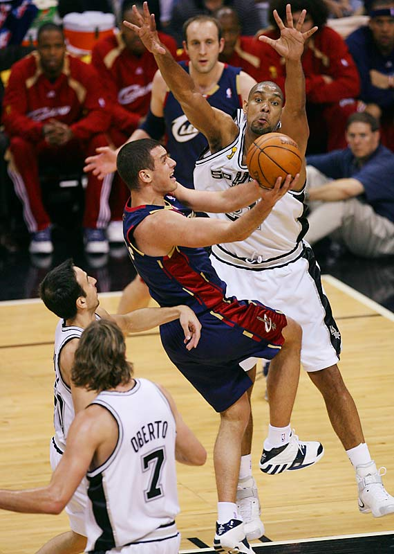 Duncan also blocked five shots by Sasha Pavlovic and the Cavs.