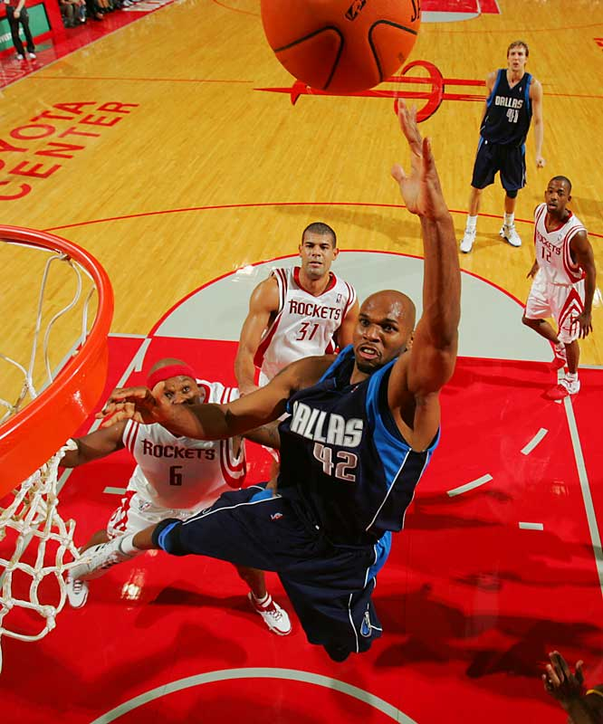 Winning bidder: Mavs<br><br>The Mavs are poised to bring back Stackhouse with a three-year deal that reportedly could be worth as much as $24 million. Once a primary scorer with Philadelphia, Detroit and Washington, the veteran shooting guard has made himself into a top reserve who can provide instant offense.