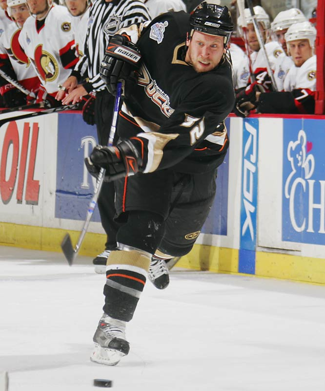 An assuming farm boy from Stewart Valley, Saskatchewan, Moen, age 25, was acquired from Chicago in July 2005. He blossomed in the playoffs, scoring 12 points, including two goals in Anaheim's Cup-clinching Game 5 win, while playing on the Ducks' smothering checking line with Samuel Pahlsson and Rob Niedermayer.