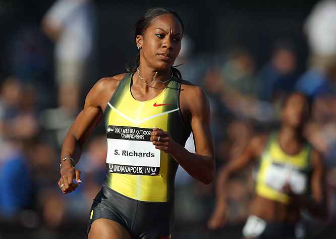 Sanya Richards qualified for the women's 400m final with one of the fastest times in 2007, but she couldn't repeat her effort in the final, fading to 4th place behind winner Dee Dee Trotter.