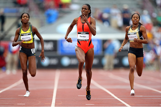 Dee Dee Trotter upset the women's 400m field, winning her first national title in a world-leading and personal-best time of 49.64.