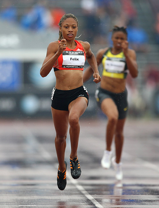 Overcoming a slow start, world champion Allyson Felix showed her gold-medal form in the women's 200m final. She went on to win in 22.34 seconds.