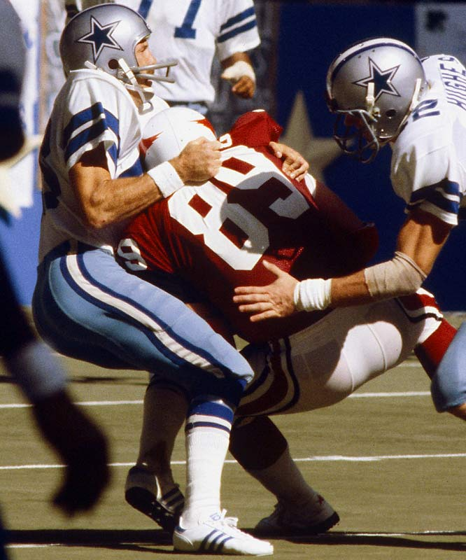"""1970-1979 Dallas <br><br>He was nicknamed """"Captain Crash"""" by his teammates for his hard hitting. Harris and Hall of Fame safety Larry Wilson struck fear into the opposition because of their hitting."""