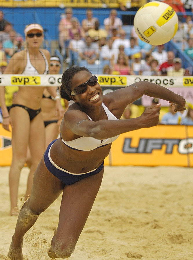 One-half of the tandem that ended May-Treanor/Walsh's 89-match winning streak in 2004, Davis, 33, also has four AVP titles to her credit. Her long-time partner is Jenny Johnson Jordan.