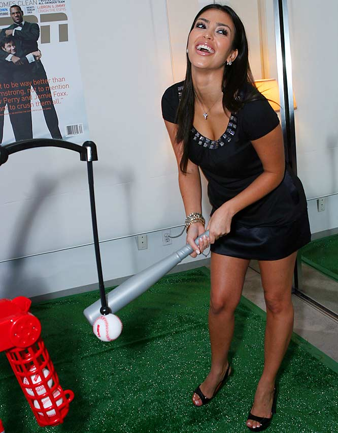 Reggie Bush's squeeze, Kim Kardashian, also enjoyed the All-Star week festivities...