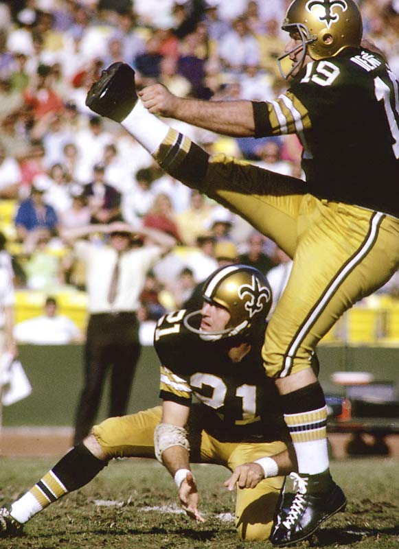 Born in 1947 without toes on his right foot, Dempsey gained notoriety in 1970 when he kicked a NFL record-setting 63-yard field goal for New Orleans in a 19-17 victory over Detroit.