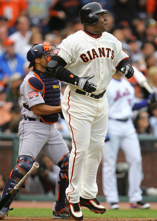 Bonds teased the crowd in the third inning when he drove a ball to left field. The ball died at the warning track, however, leaving the Giants superstar 0-for-2 on the night.